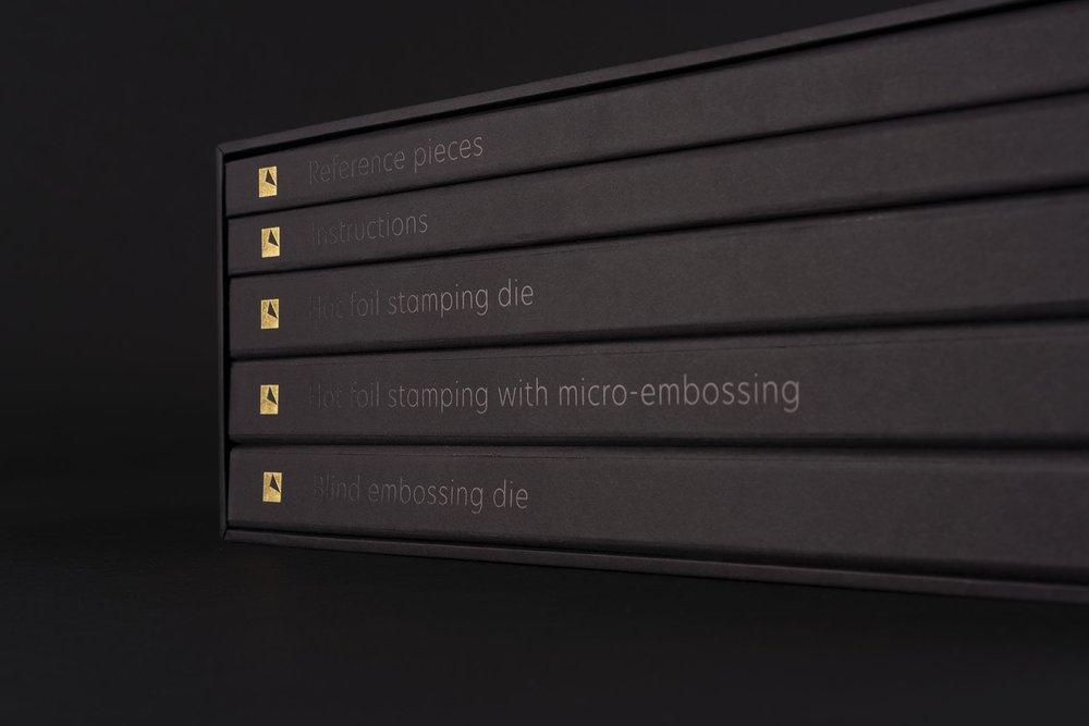 arjowiggins_academy-of-certified-printers_toolbox_7.jpg__1909x1273_q85_crop_subsampling-2_upscale.jpg
