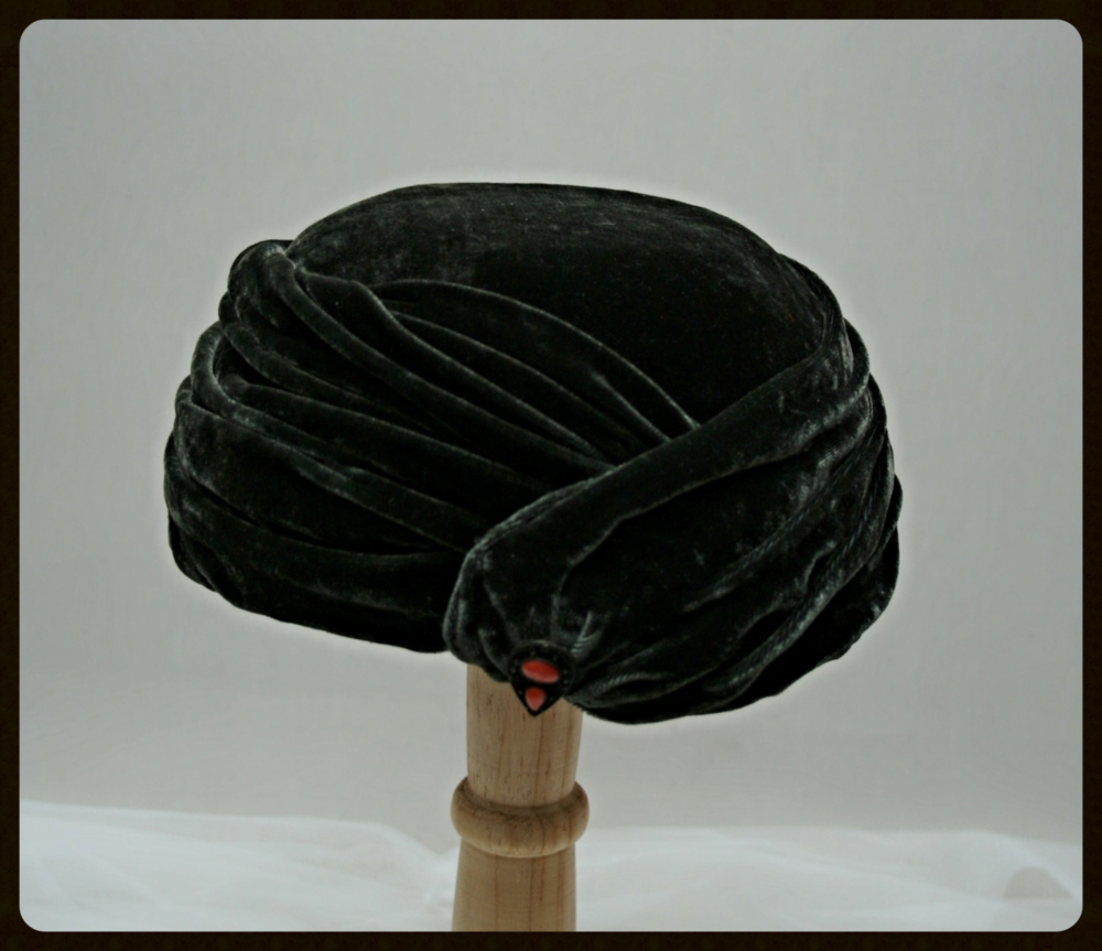 Deep green velvet Turban