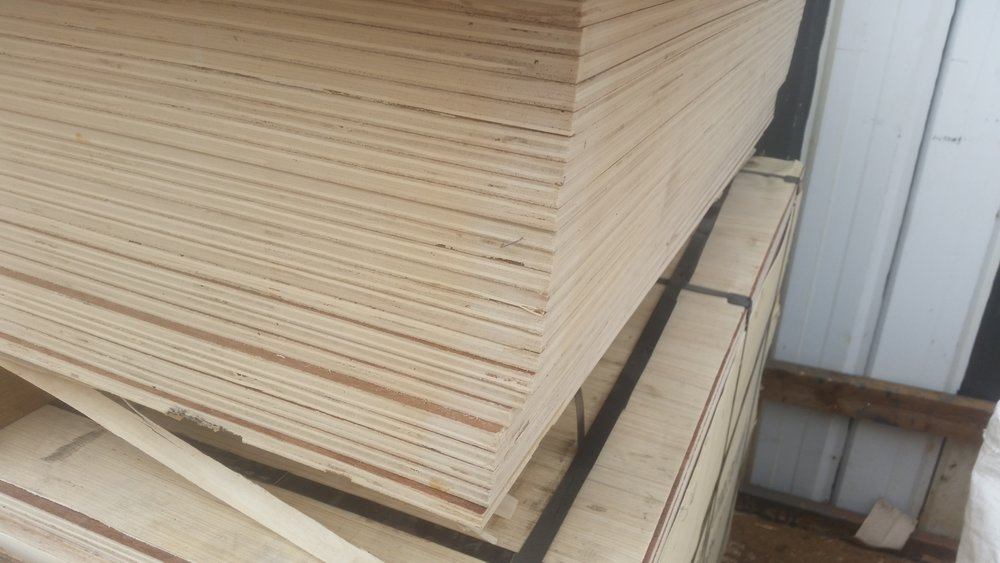 Roof & Floor  12 mm Hardwood smooth face Ply
