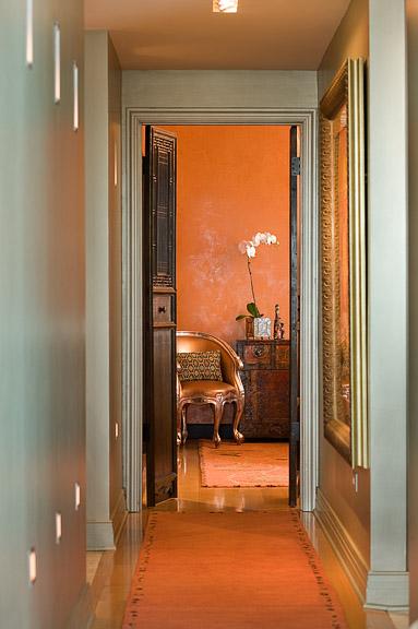 hallway-complimentary-color-scheme.jpg