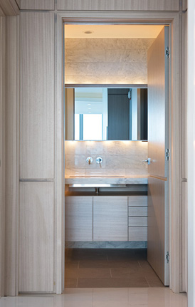 Streeterville Contemporary Bathroom