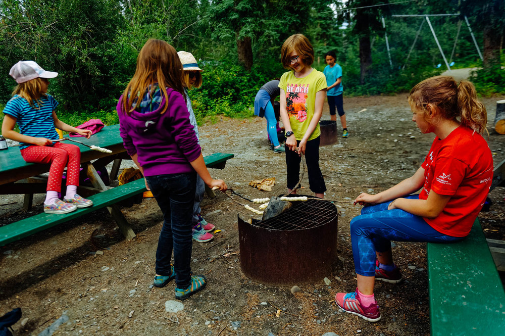 Cooking bannock over the fire