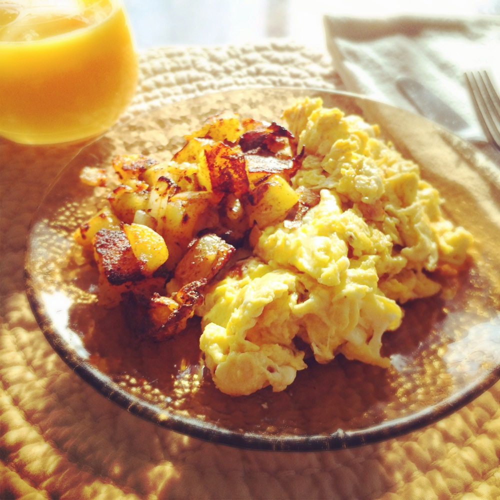 cheesy scrambled eggs and home fries.jpg