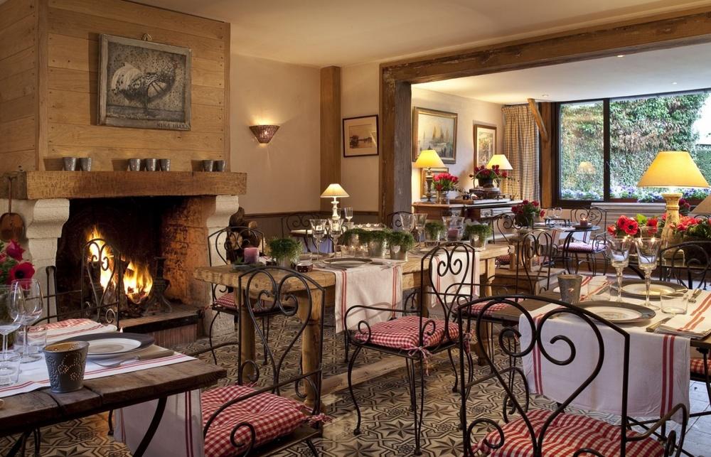 dining room photo via hotel website