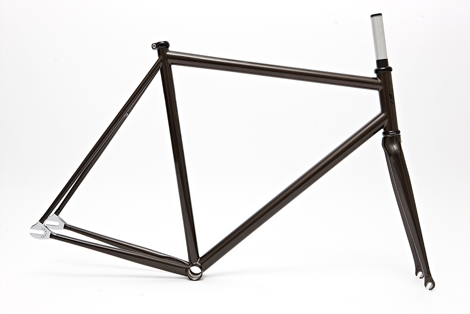 The Brothers Swift is a modern track frame with Carbon forks