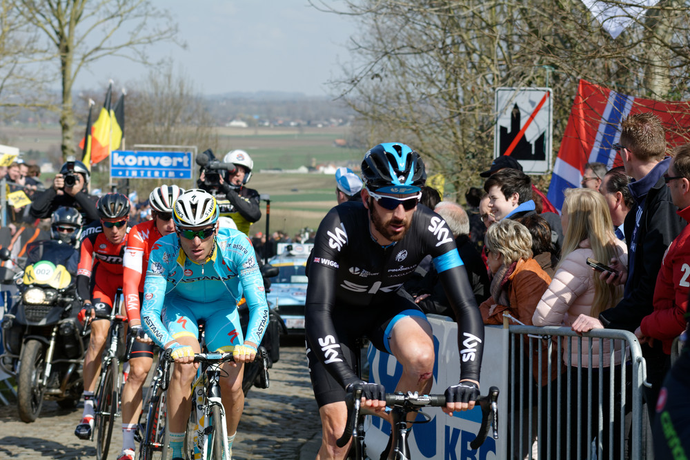 Bradley Wiggins battling up the Oude Kwaremont in 2015. Image by  Youkeys .