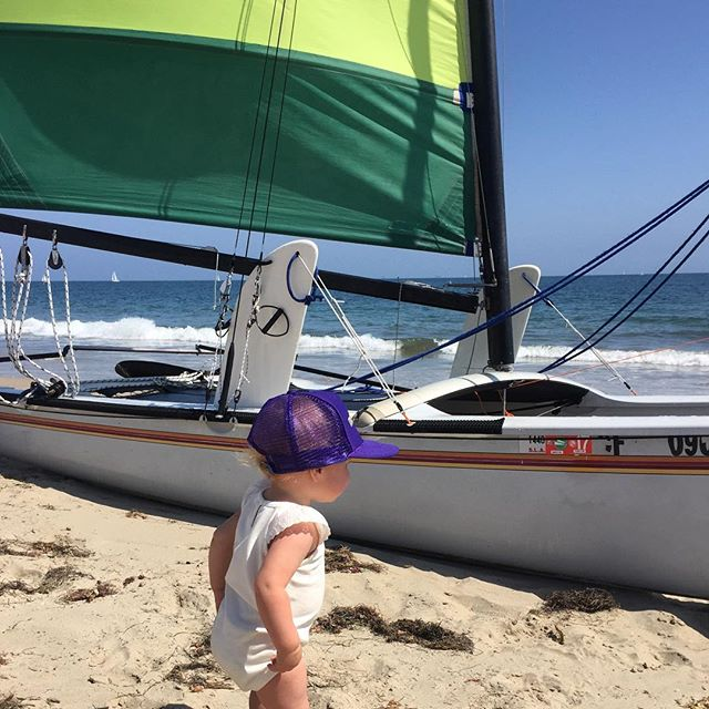 Adventure kid in the making. 😎 #bornwildproject #exploremore #getoutside #explore #rei1440project #california #santabarbara #iheartcalifornia #ledbetterbeach #hobiecat