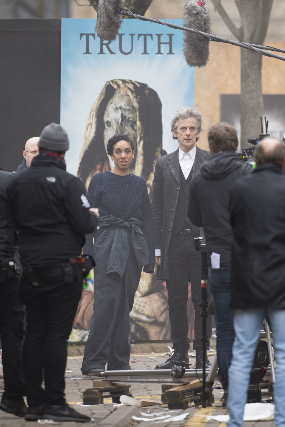 Peter Capaldi spotted filming with the doctors companion Pearl Mackie for Series 10 of Doctor Who at Mount Stuart Square in Cardiff Bay.