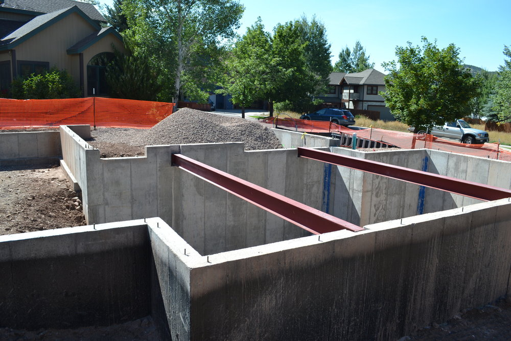 house-aspen-5-realities-of-construction-during-the-winter-basalt-residence-project-concrete