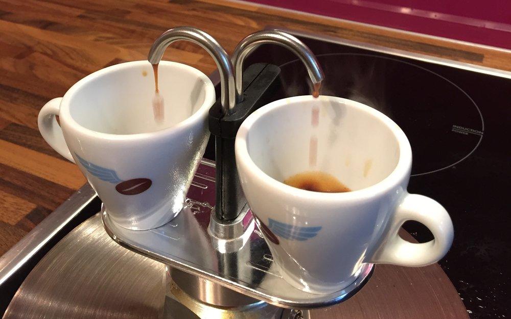 10_Kaffee brüht_.JPG