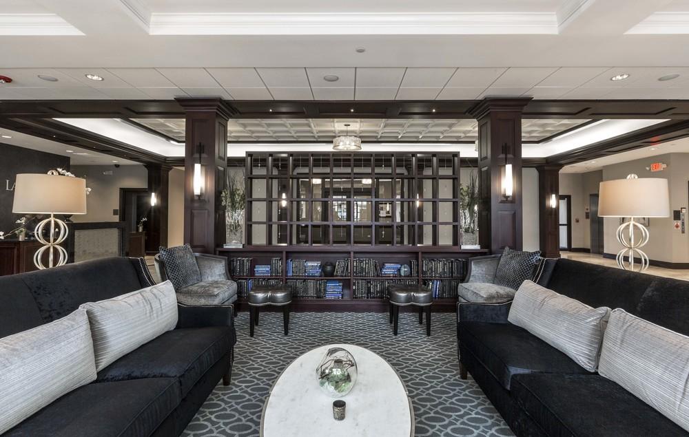 La Banque Hotel