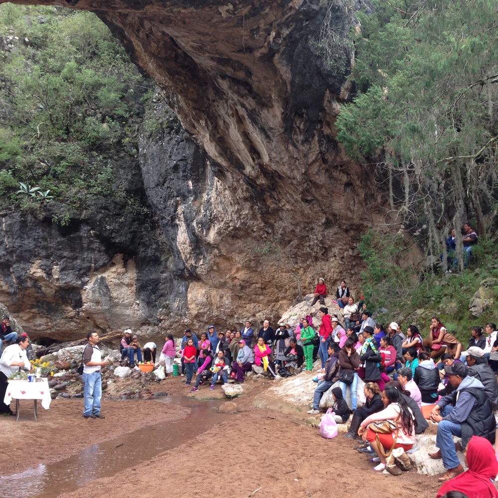 "United Communities for Life and Water meet at el ""Puente de Dios"" in 2015."