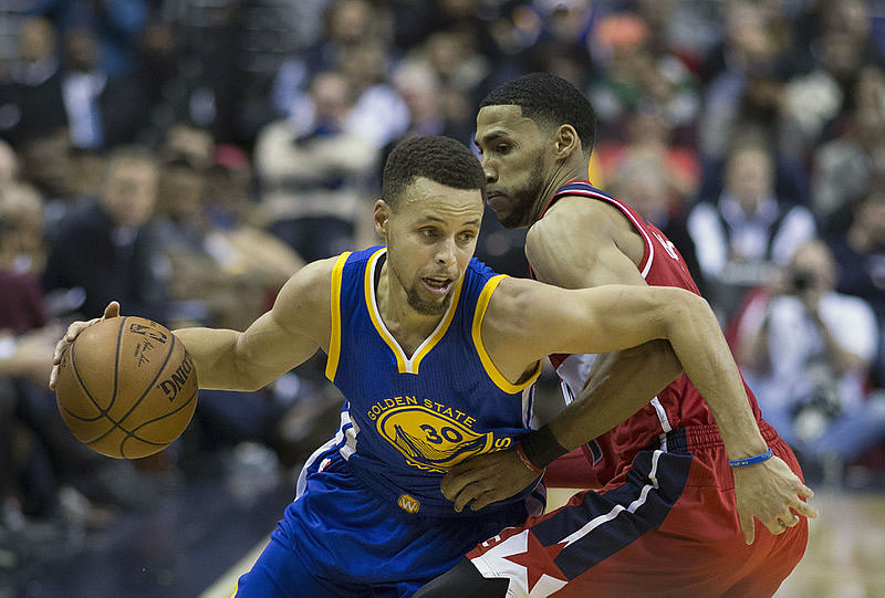 Who are the Steph Currys of Ultimate Hoops?  photo by Keith Allison from Hanover, MD, USA (Stephen Curry) [CC BY-SA 2.0 (http://creativecommons.org/licenses/by-sa/2.0)], via Wikimedia Commons