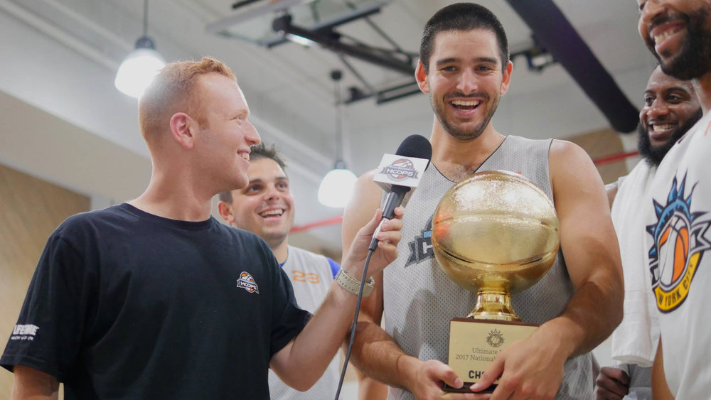 LEAGUES - Ultimate Hoops basketball leagues treat you like a pro.