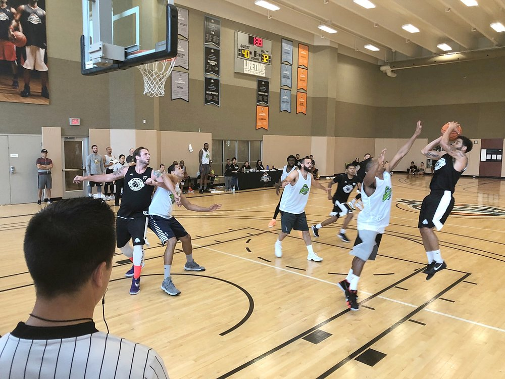 PRIVATE LESSONS 45, VEGAS BALLERS 36 - HALFTIME