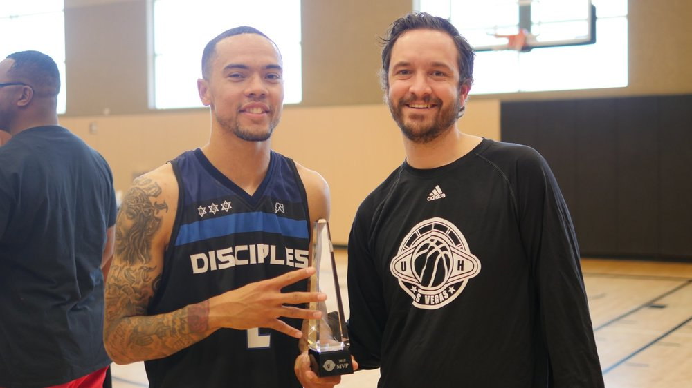 Crockrell receives his 2018 MVP trophy from Reid Nelson.