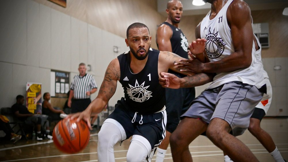 Haywwo dribbles out of trouble in last year's New York National Tournament.