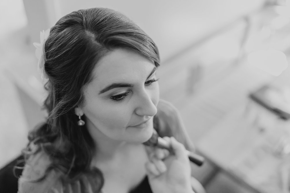 TommyandAmanda_WEDDING_BrienneMichelle_GettingReady_07_BLOG.jpg