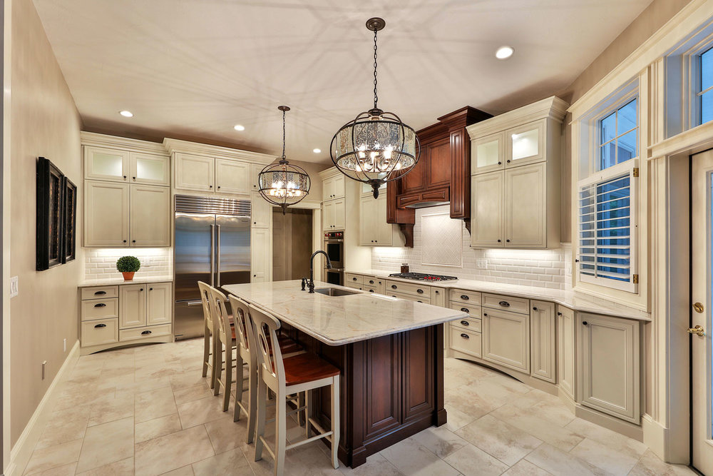 Beau This Kitchen Has New Golden Beach Granite Countertops And Tumbled Stone  Back Splash And The Appliances