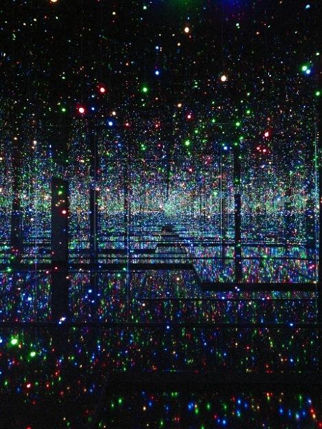 Yayoi Kusama, 2011, LED lights