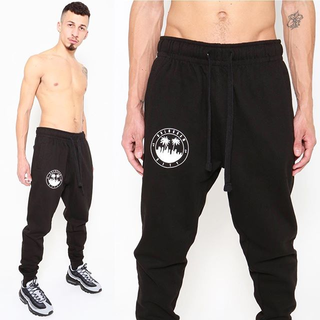 🌴3️⃣2️⃣3️⃣🌴Jogger $44 Available now (Link in bio)  HOLOGRAMCITY.net 💻 #shoppingonline #shop #men #xmas #gifts #jogger #sweatpants #sweats #323