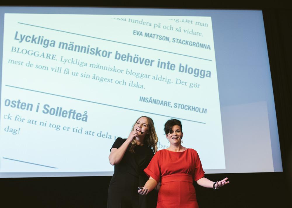 Clara Lidström och Annakarin Nyberg framför en otroligt korkad insändare.