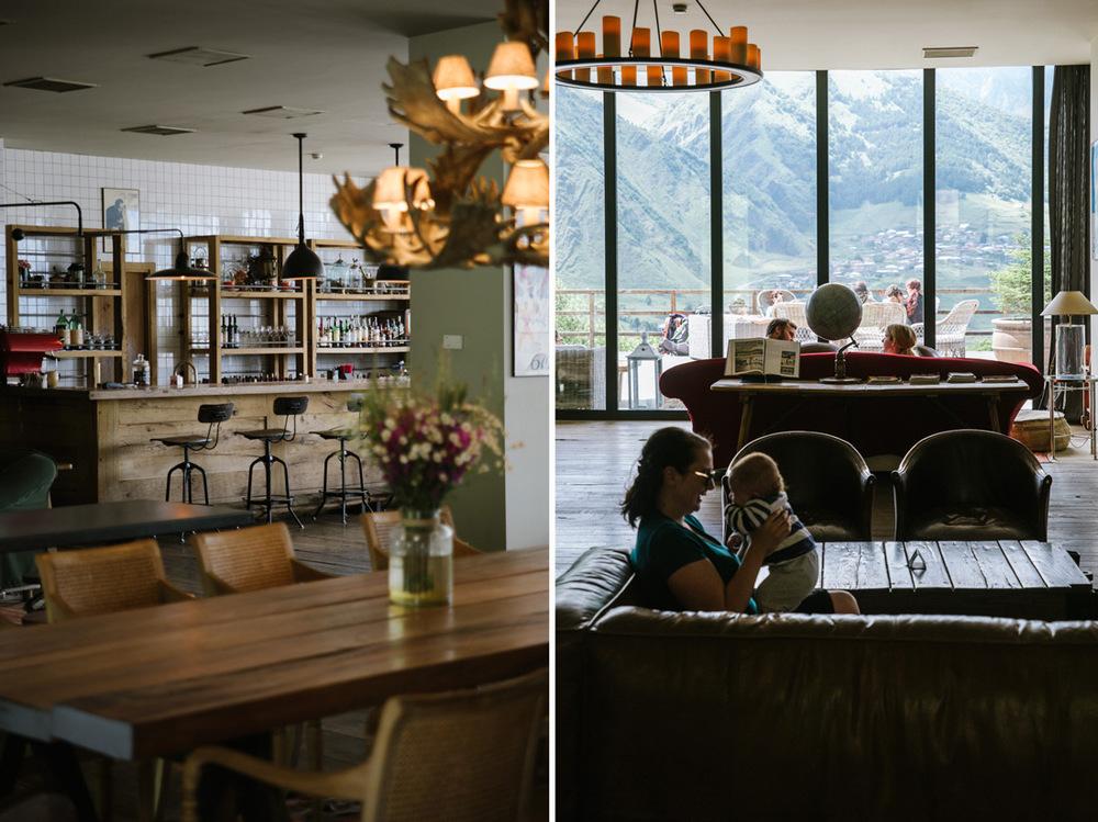 bar och restaurang på Rooms hotel i Stepantsminda Georgien.