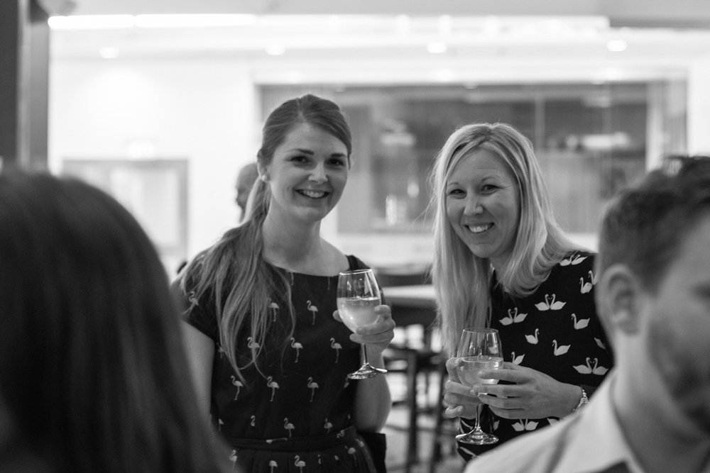 Svenska resebloggar grundare Towe och Johanna på staycation på Clarion hotel Arlanda
