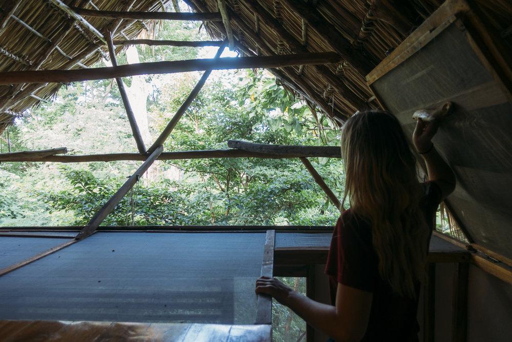 Sova i träkoja treehouse på Hostel Clandestino, Nicaraguas bästa hostel vid Playa Maderas