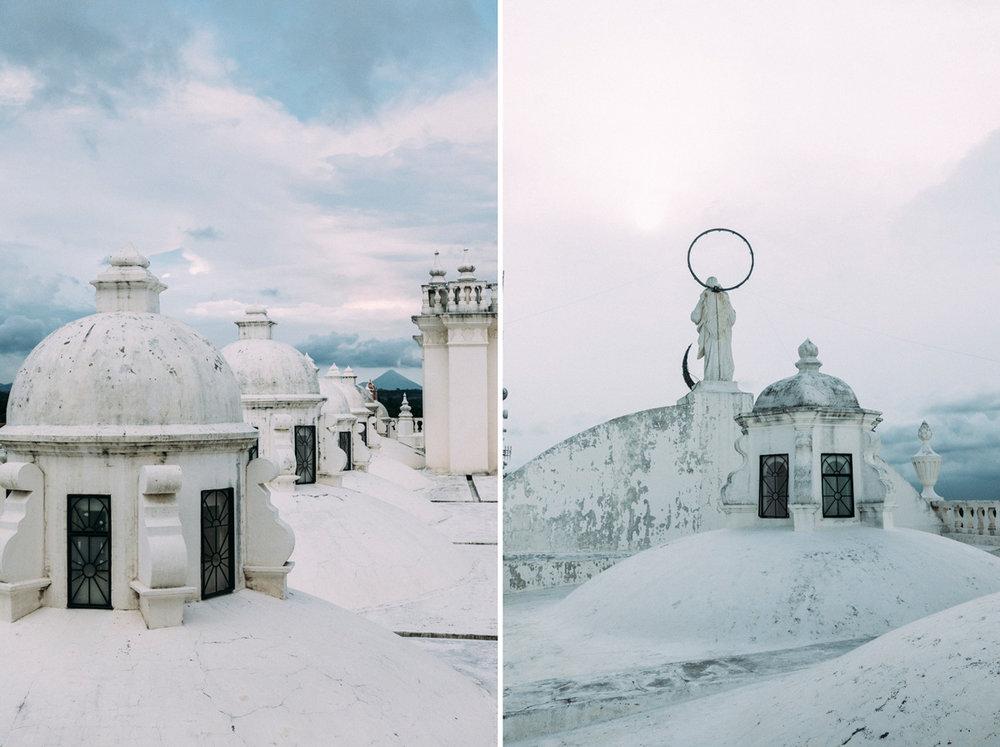 På taket Leons katedral i Nicaragua
