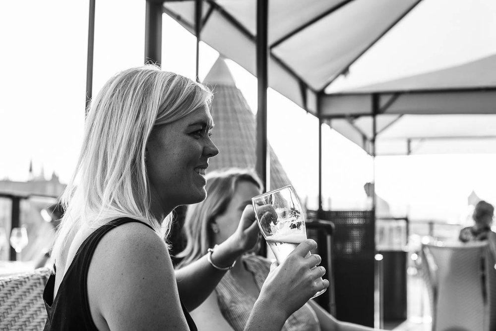 Weekend i Gdansk och bo på Hilton hotell och dricka drinkar på high 5 takterrass