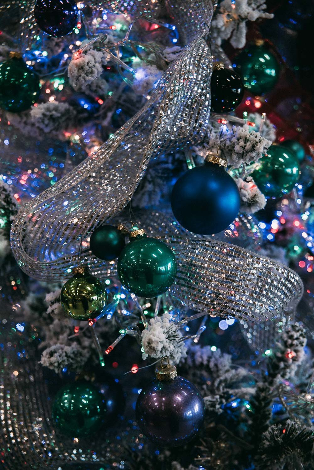 Kitschig amerikansk julgran