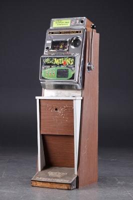 Aristocrat's first electronic slot machine, 'The Grosvenor'
