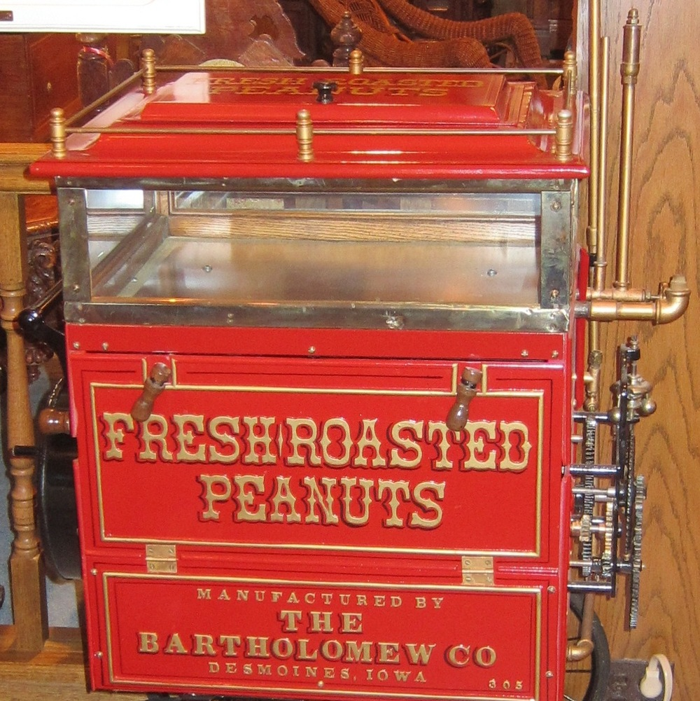 Peanut Wagon with Spring Driven Roaster