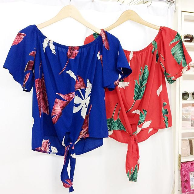 Tropical tops! Just in time for the weekend 🌴 Find us at LeGrands Market at 4414 Donovan Ave from 10-3!