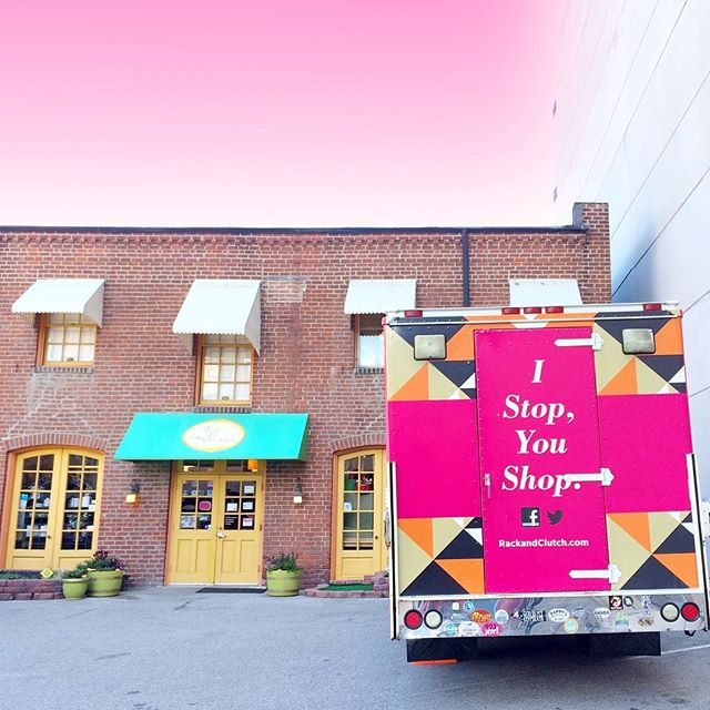 We're squeezin' squeaky toys and admiring puppy cuts with our friends at @lolaandpenelopes in Clayton today from 11-1:30! 🐶💗🐱