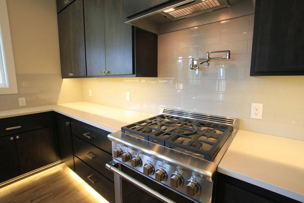 Kitchen 3244.jpg