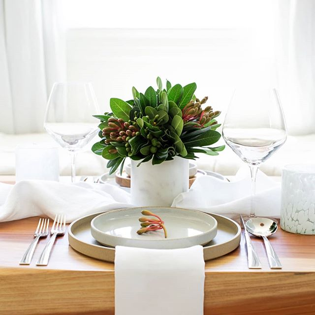 Soiree set of the Day: Winter Whites. If you're looking for a Chic Holiday Decor direction this year. We got something that is just for you. Our simple Winter White Soiree Set focuses on quality materials in a color palette of Silver, White and Festive Holiday Green Foliage. Photography @photosurfaces , Styling @chairsandcups