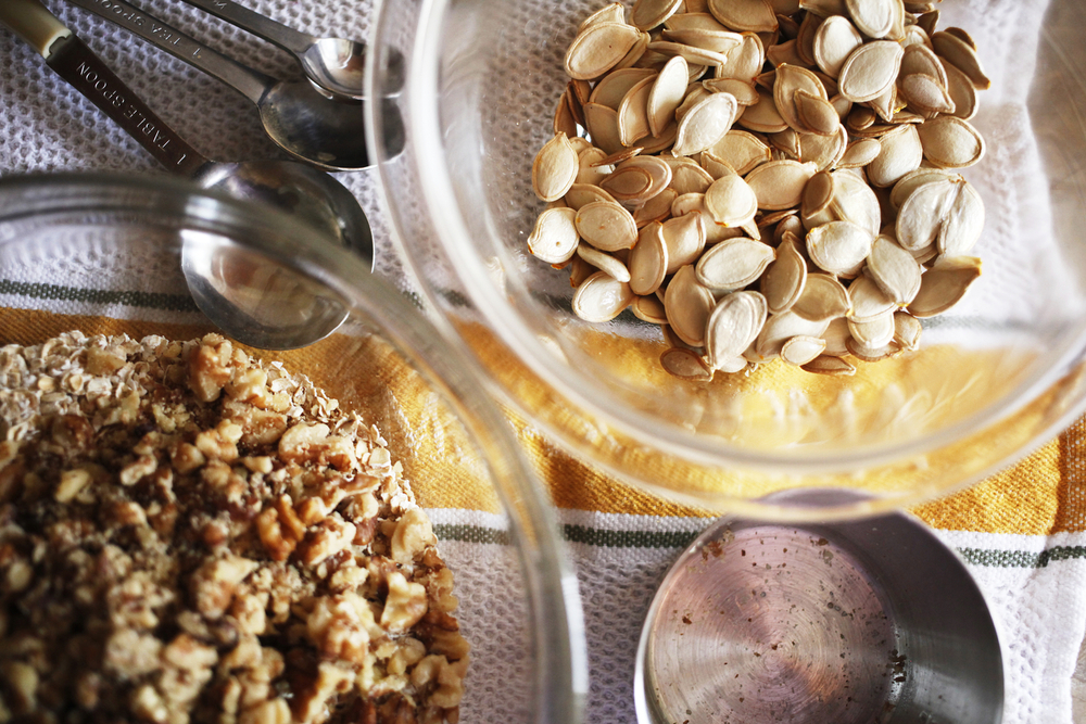 Fall-tastic pumpkin seed granola | Freckle & Fair