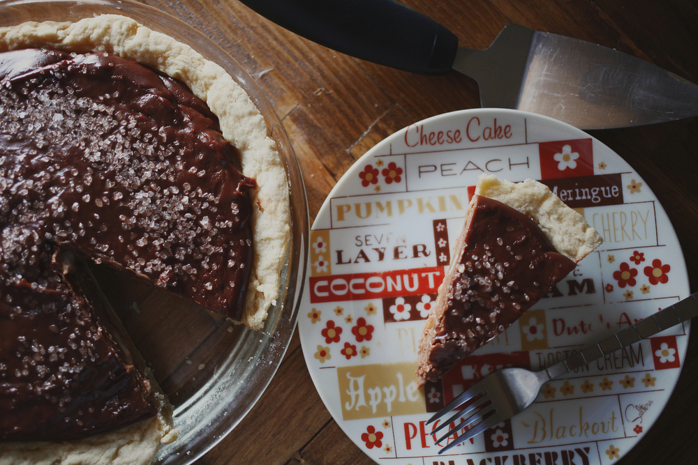 Nutella banana tart with sea salt | Freckle & Fair