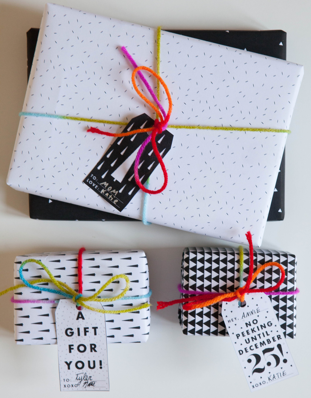 Free wrapping paper and gift tag printables | Freckle & Fair