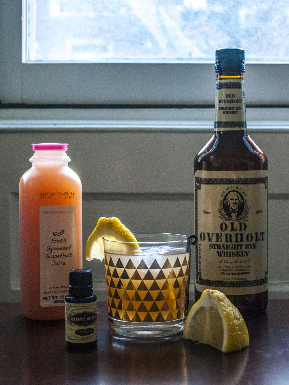 Grapefruit & rye cocktail with vanilla bean & lavender | Freckle & Fair