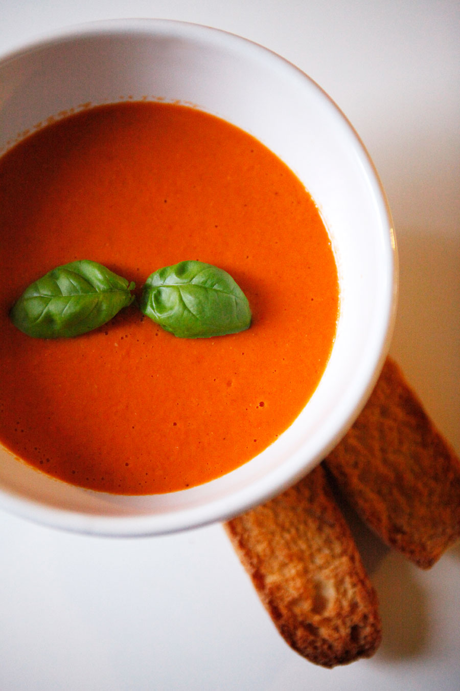 Thai-inspired coconut tomato basil soup | Freckle & Fair