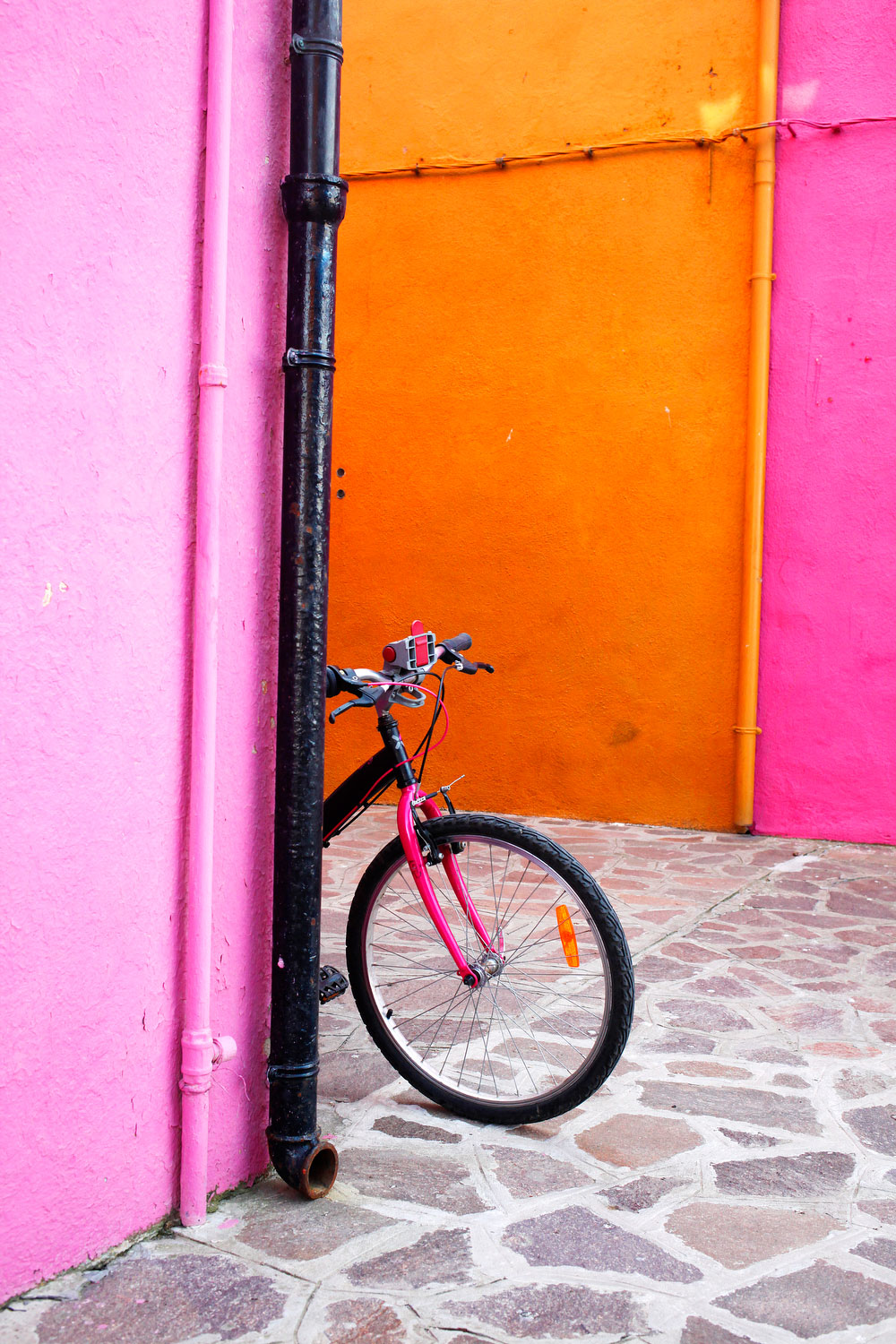 Pink houses in Burano, Italy | Freckle & Fair