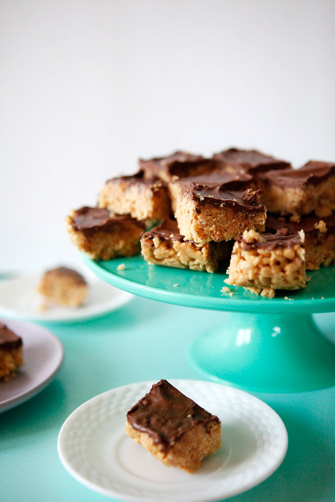 Scotcheroo peanut butter bars | Freckle & Fair