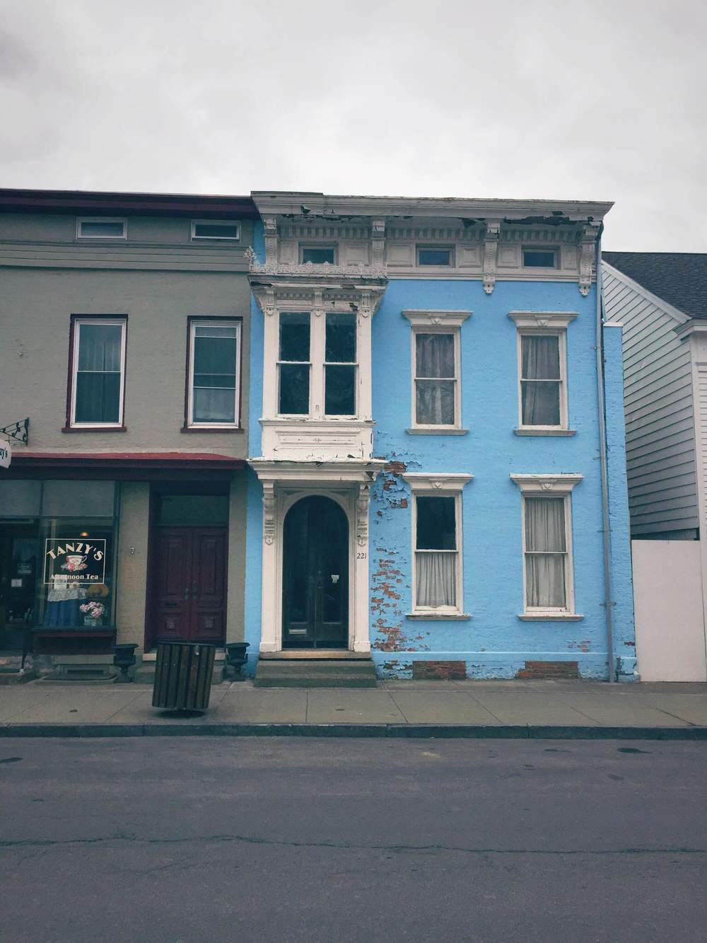 Bright blue home in Hudson, NY | Freckle & Fair