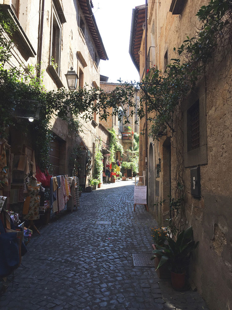 A day trip to Orvieto, Italy | Freckle & Fair