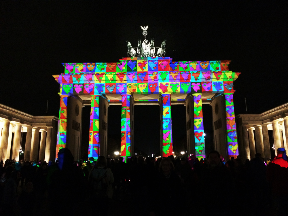 A guide to Berlin on the cheap: Brandenburg Gate | Freckle & Fair