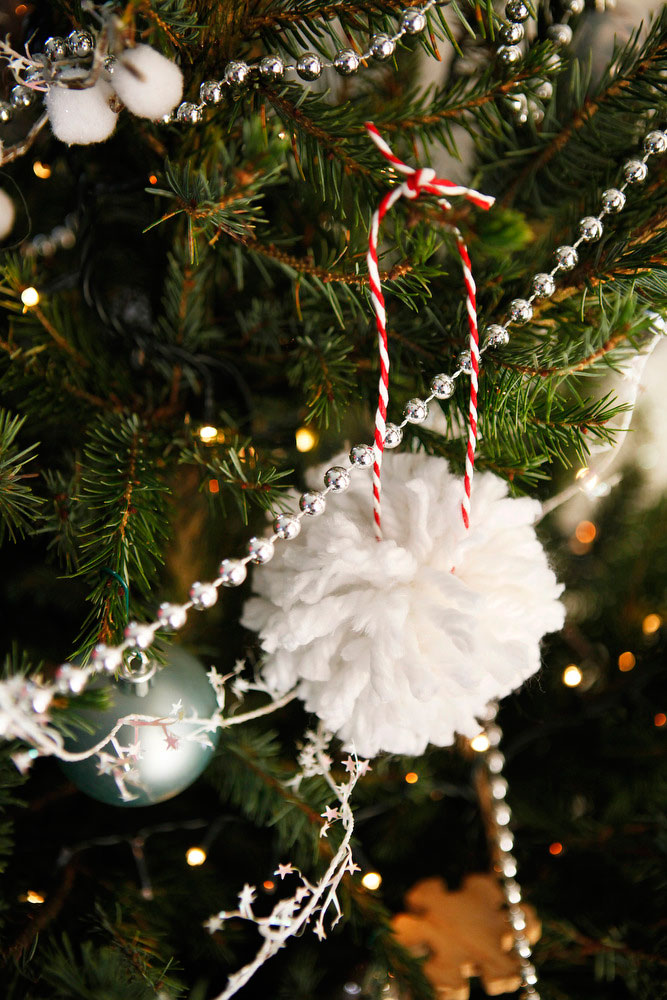 Diy yarn pom pom christmas tree ornaments freckle fair for Home made christmas tree decorations