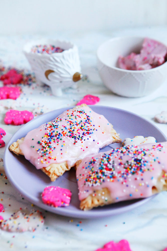 Circus Animal pop tarts with cream cheese filling | www.freckleandfair.com